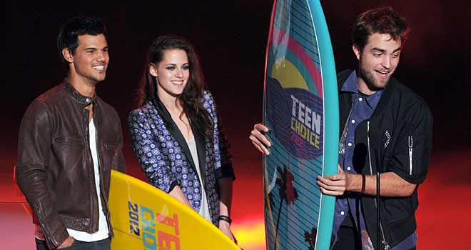 Taylor Lautner, Kristen Stewart, and Robert Pattinson at the 2012 Teen Choice Awards