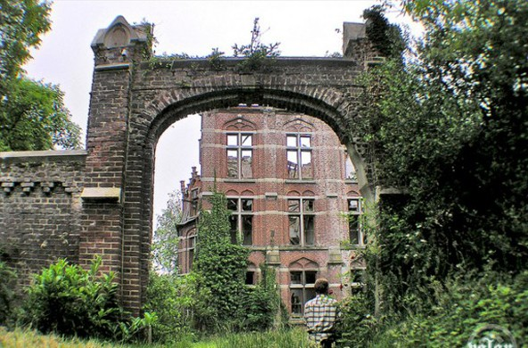 Castle of Mesen -- Lede, Belgium