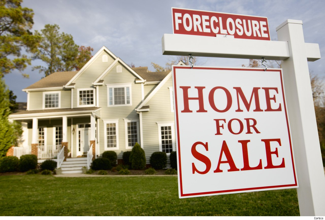 2009 record year for foreclosures for Loan to build a house on land