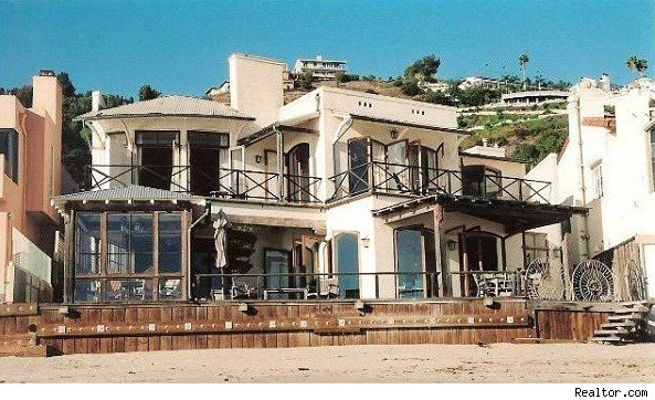 photo: house/residence of beautiful cute  40 million earning Malibu Beach House, California, USA-resident