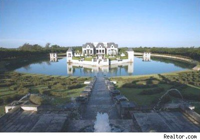 House Of The Day Miami 39 S Real Life Castle With Moat