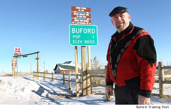 Buford wyo america 39 s smallest town up for auction Smallest city in america