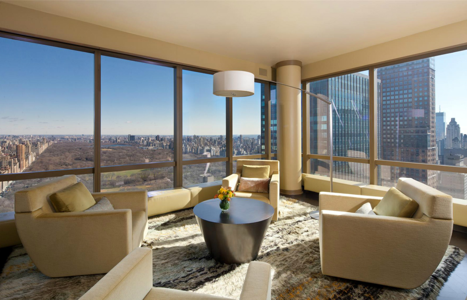 Buy christopher meloni 39 s place and he 39 ll throw in a porsche for Apartment for sale manhattan