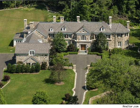 Biggest homes in america feast your eyes on some of the for Big houses in america