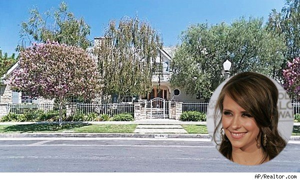 Jennifer Love Hewitt Toluca Lake home