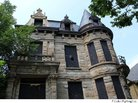 10 Haunted Houses You Wouldn't Want to Live In