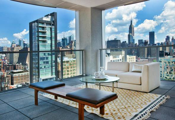 Manhattan penthouse with sky garage house of the day for Real estate nyc apartments