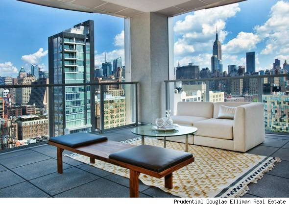 Manhattan penthouse with sky garage house of the day for Luxury penthouses in manhattan