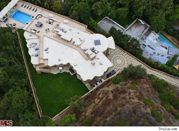 Singer Rihanna's new house in Pacific Palisades