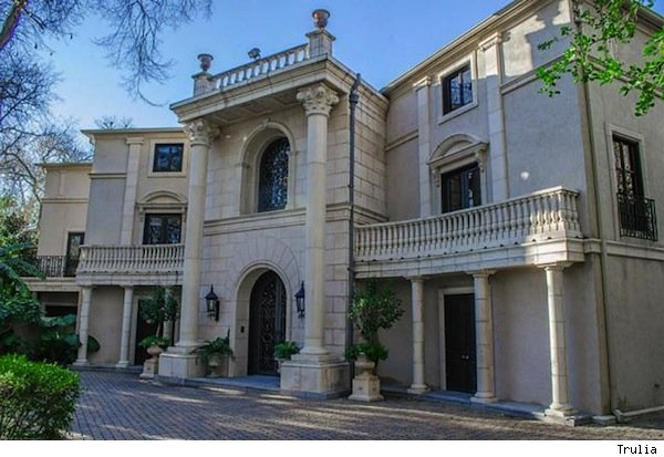 Beyonce bought this home for Tina Knowles, reports say.
