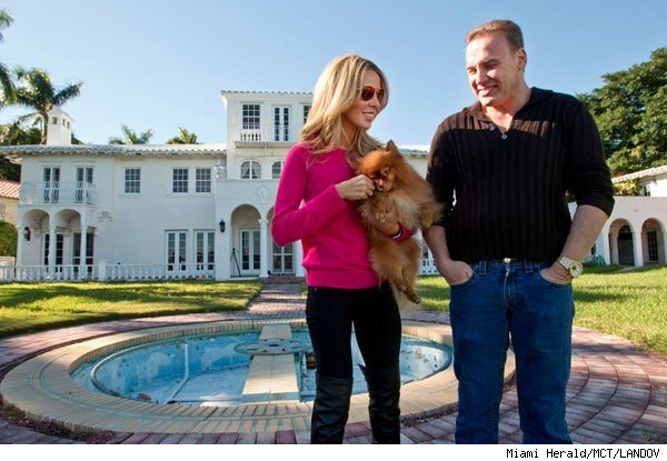 Lisa, Leonard Hochstein at home