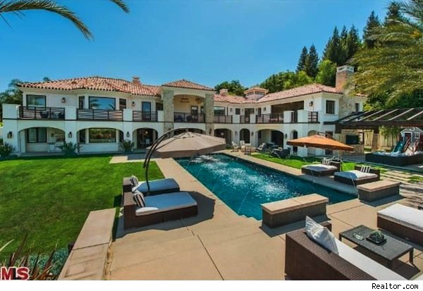 Kevin James house in Encino