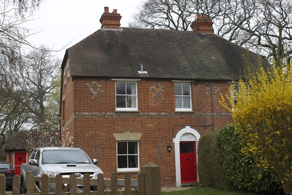 A Tour Of Kate Middleton 39 S Childhood Home