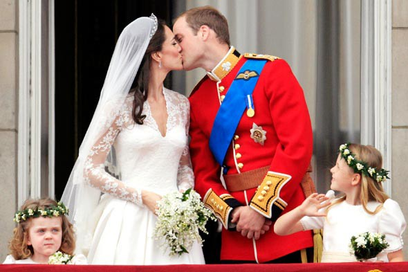 kate middleton prince william kiss catherine princess