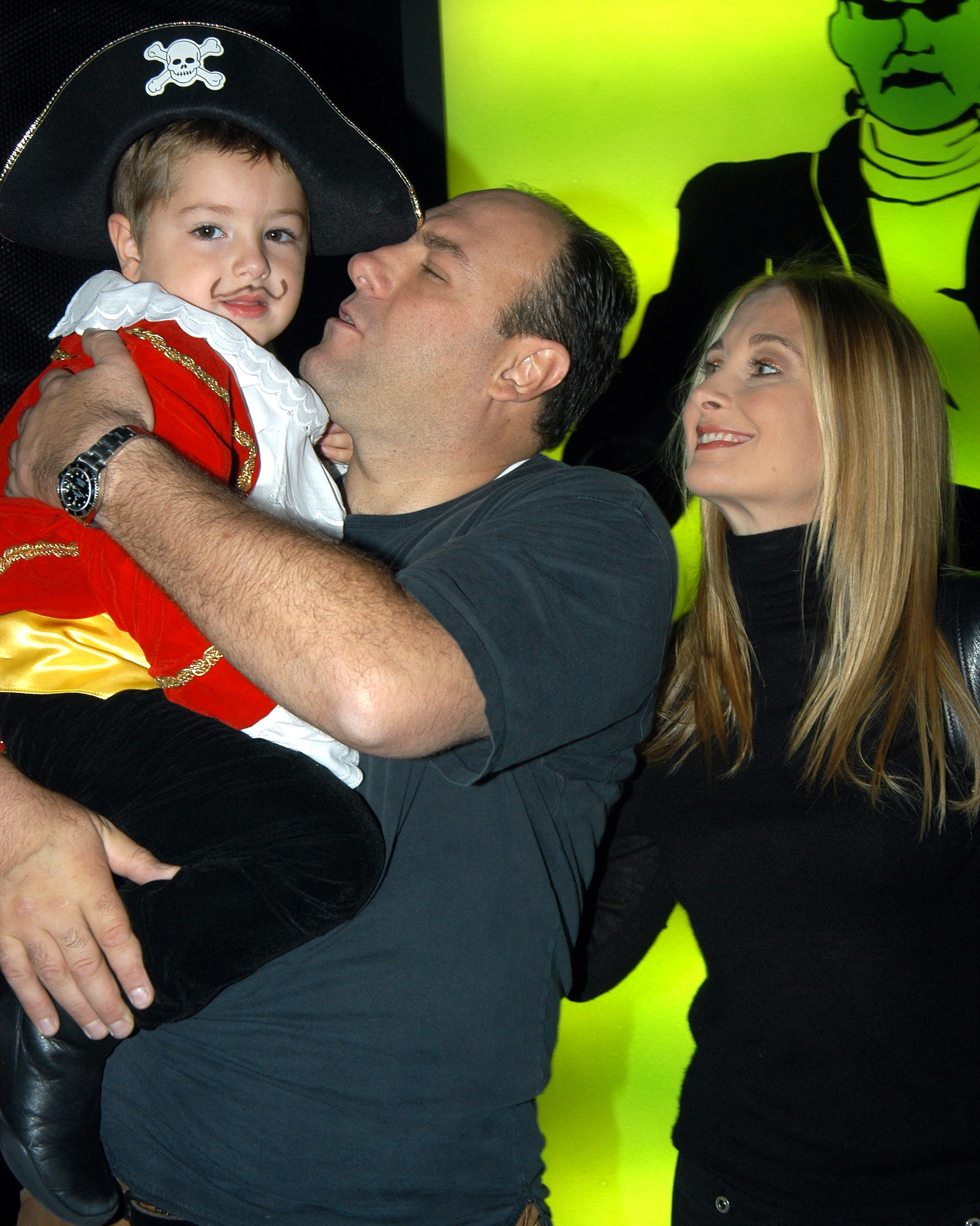 Keanu Reeves Wife And Child Died James gandolfini with his son,