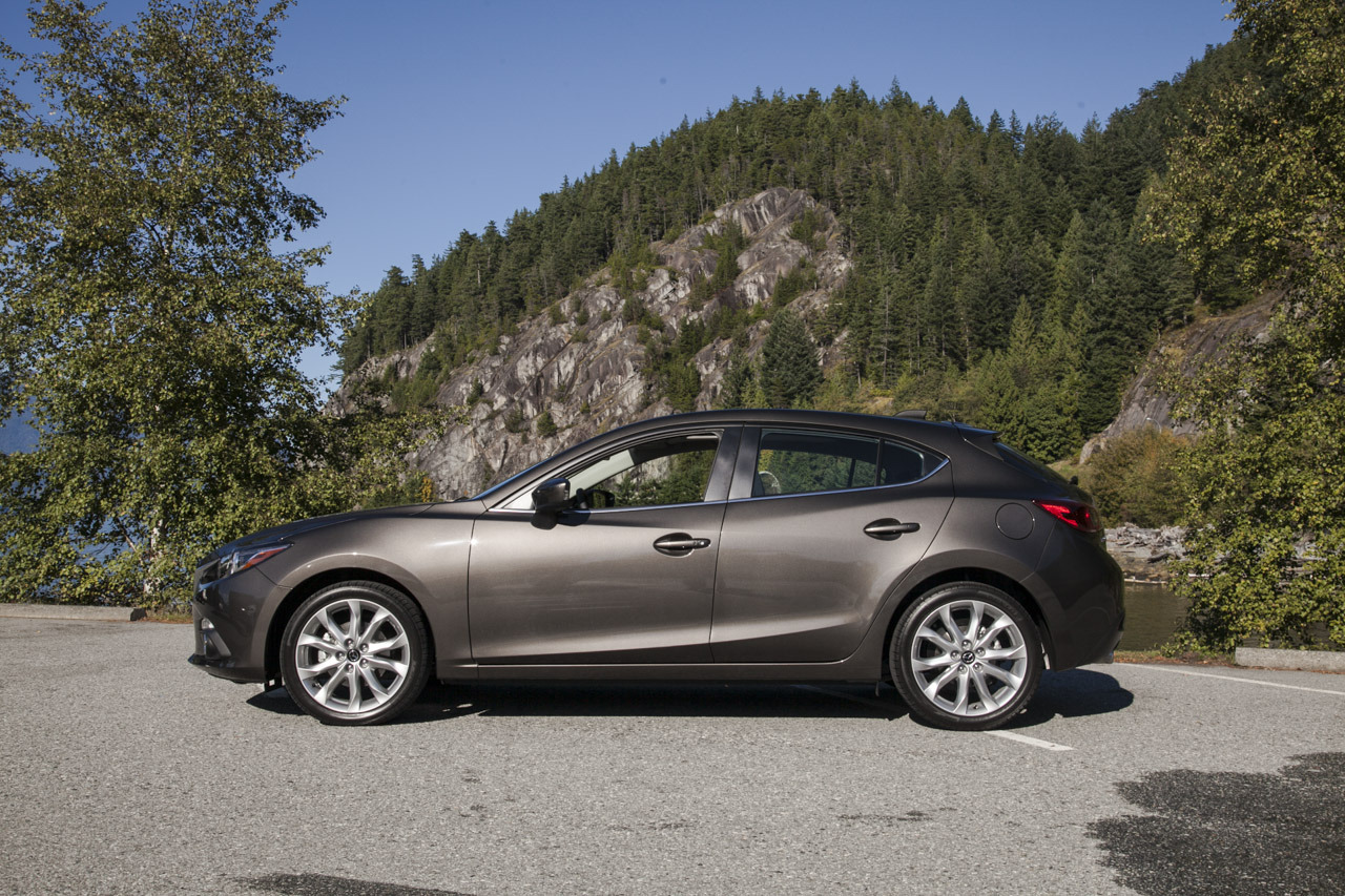 2014 mazda mazda2 specifications pictures prices. Black Bedroom Furniture Sets. Home Design Ideas