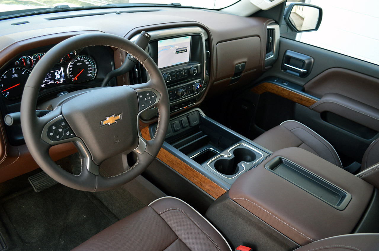 Chevy silverado high country interior autos post for Chevrolet silverado high country interior