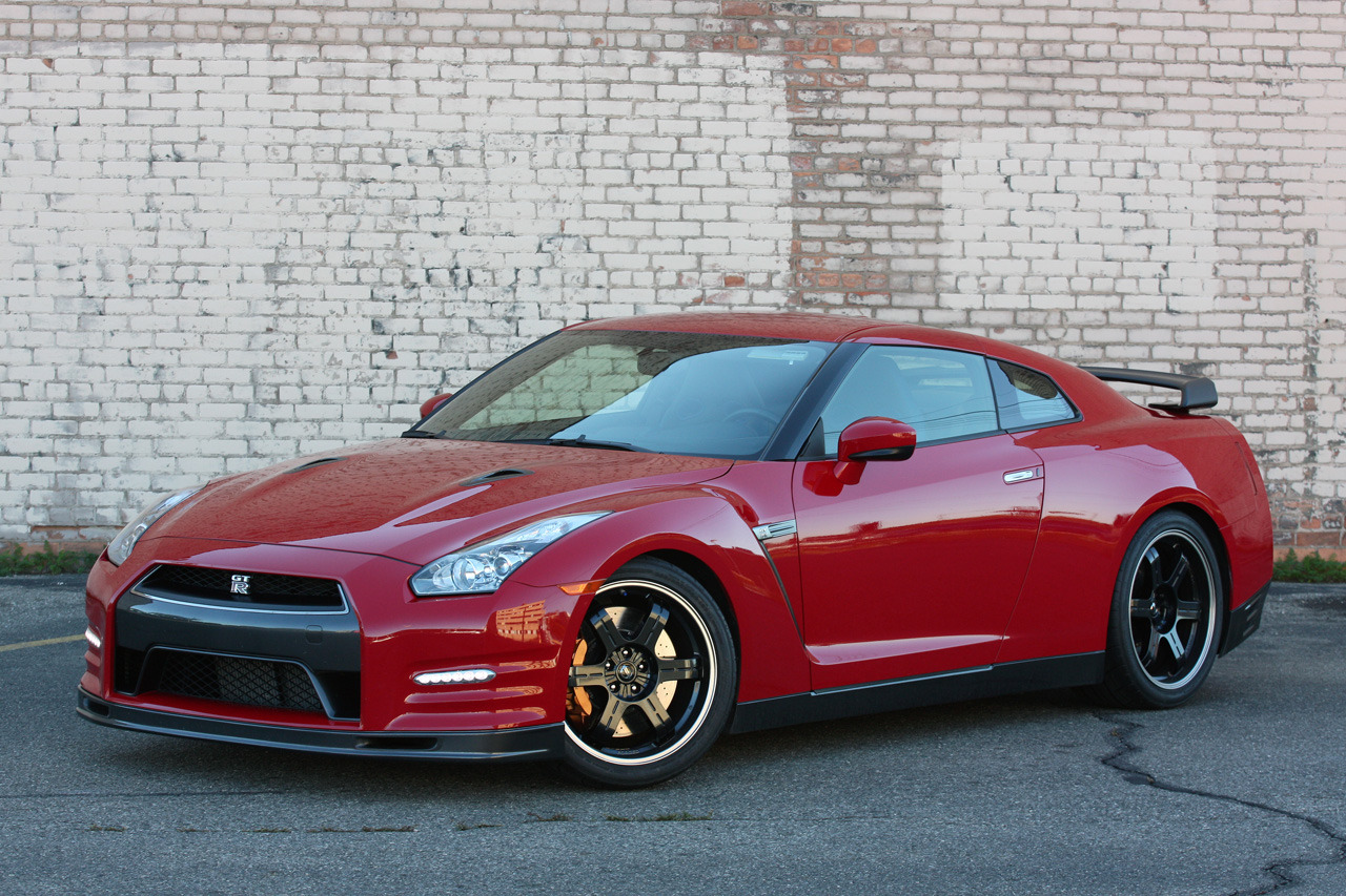 2014 Nissan GT R Track Edition Quick Spin Photo Gallery