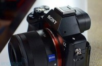 Sony Alpha 7 and 7R: the full-frame mirrorless ILC is finally here (update: hands-on photos!)