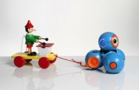 Play-i's Bo and Yana robots teach kids programming concepts through stories (video)