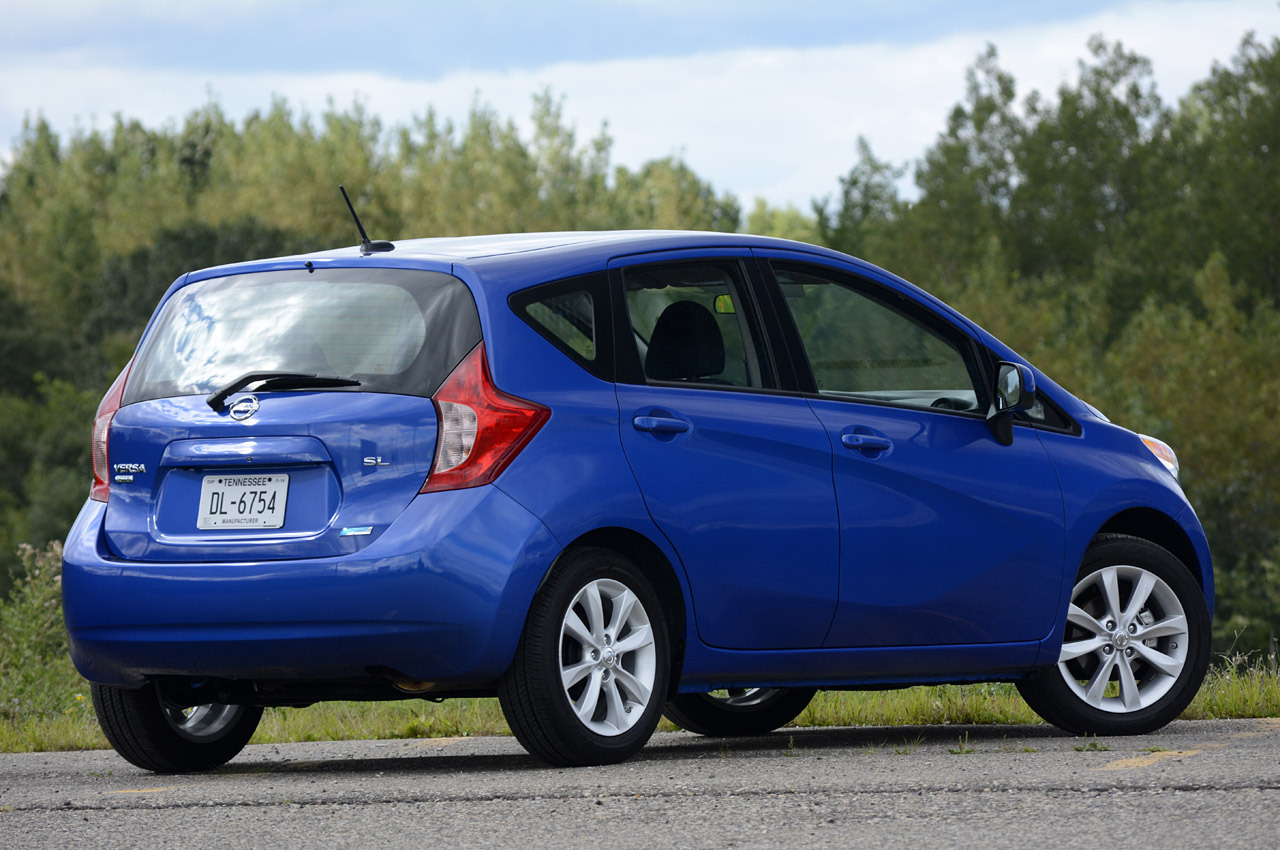 2014 nissan versa note  review photo gallery