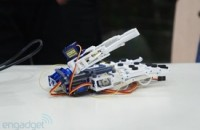 Handie prosthetic uses 3D printing and smartphones for much cheaper bionic hands (video)
