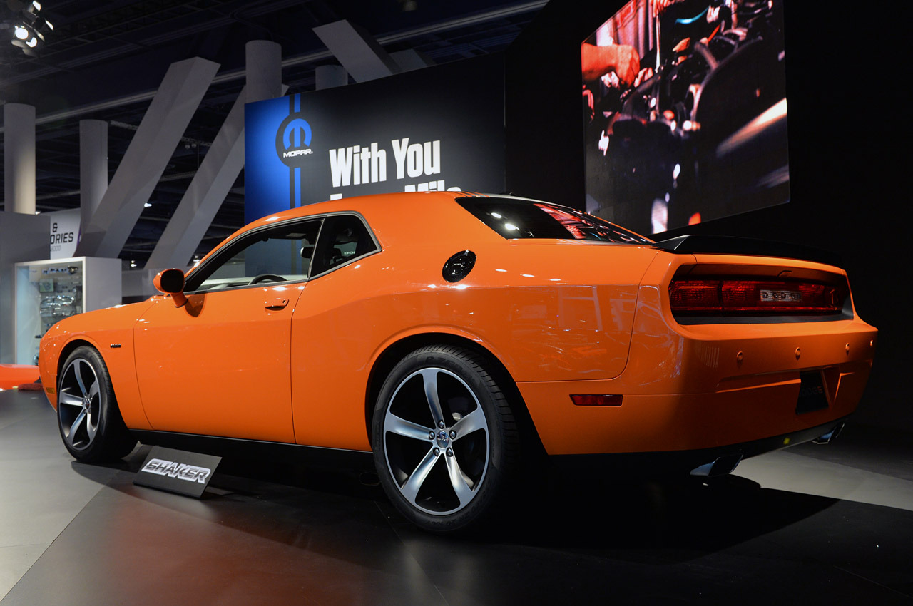 2014 dodge challenger r t shaker sema 2013 photo gallery autoblog. Cars Review. Best American Auto & Cars Review