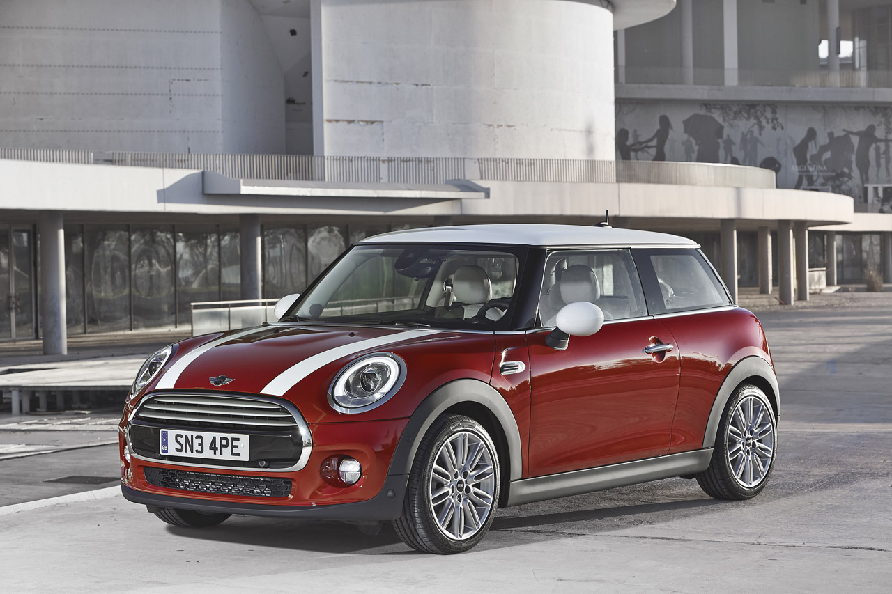 2015 mini cooper hardtop photo gallery autoblog. Black Bedroom Furniture Sets. Home Design Ideas