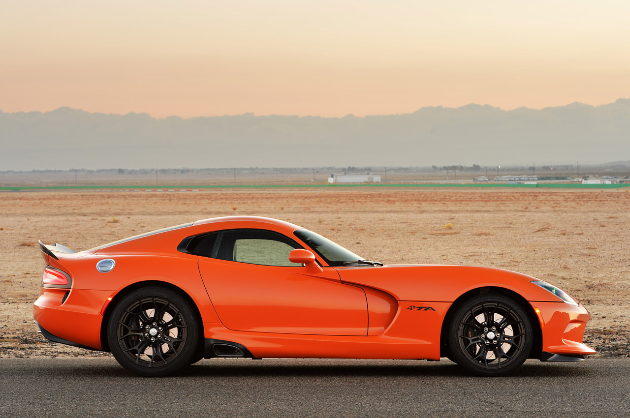 http://www.blogcdn.com/slideshows/images/slides/157/380/1/S1573801/slug/l/18-2014-srt-viper-ta-fd-1.jpg