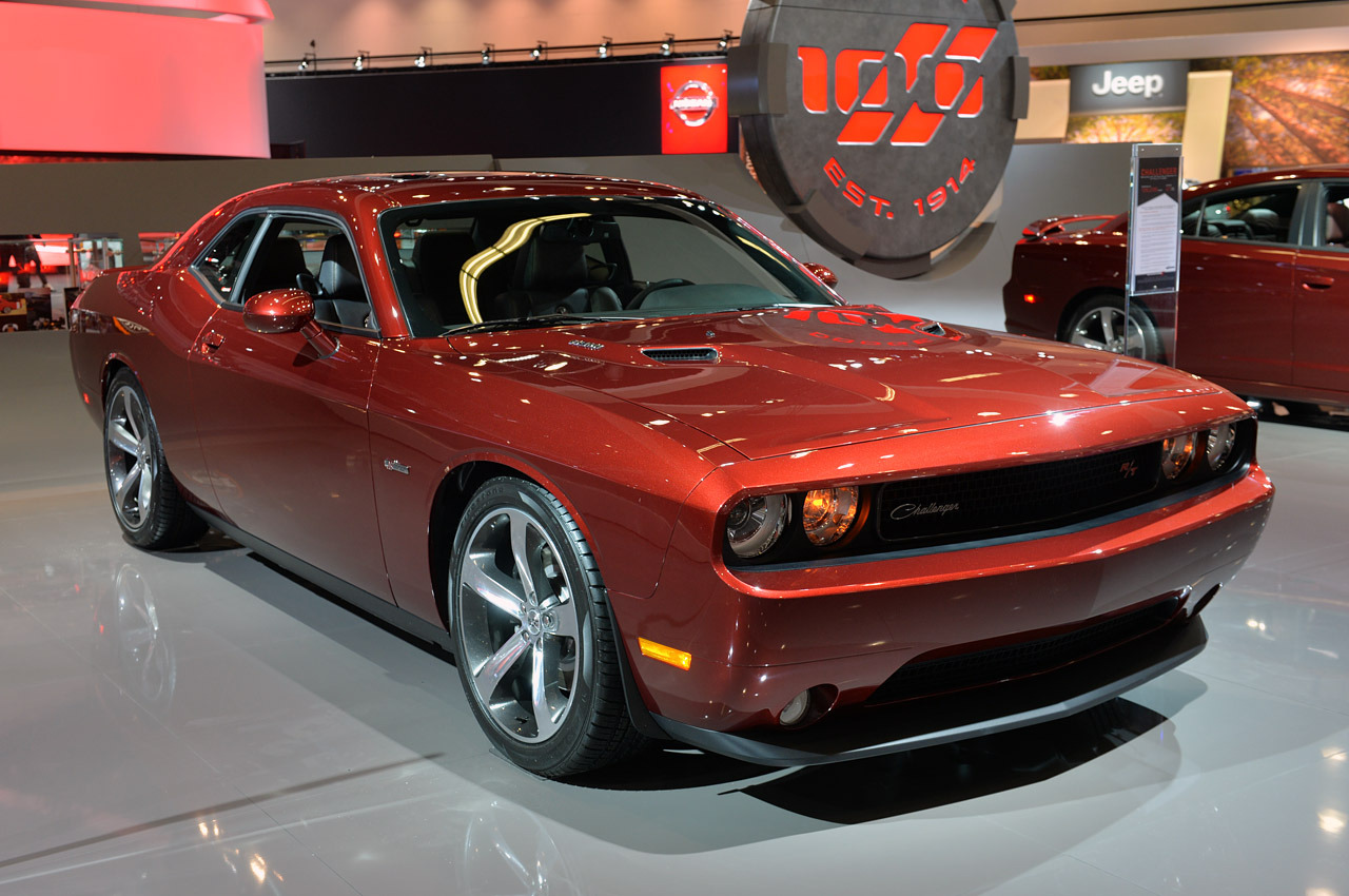 http://www.blogcdn.com/slideshows/images/slides/158/175/9/S1581759/slug/l/01-dodge-challenger-100th-la-1.jpg