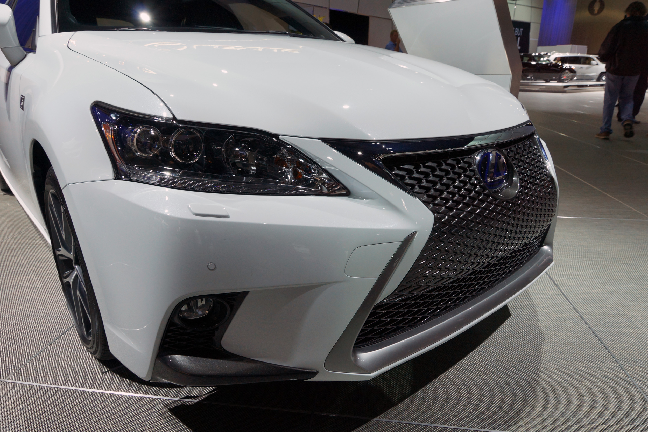 lexus driving u in news the s ct discontinued auto hatchback