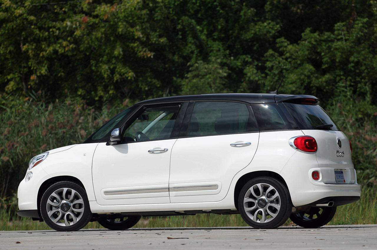 2014 fiat 500l review photo gallery autoblog. Black Bedroom Furniture Sets. Home Design Ideas
