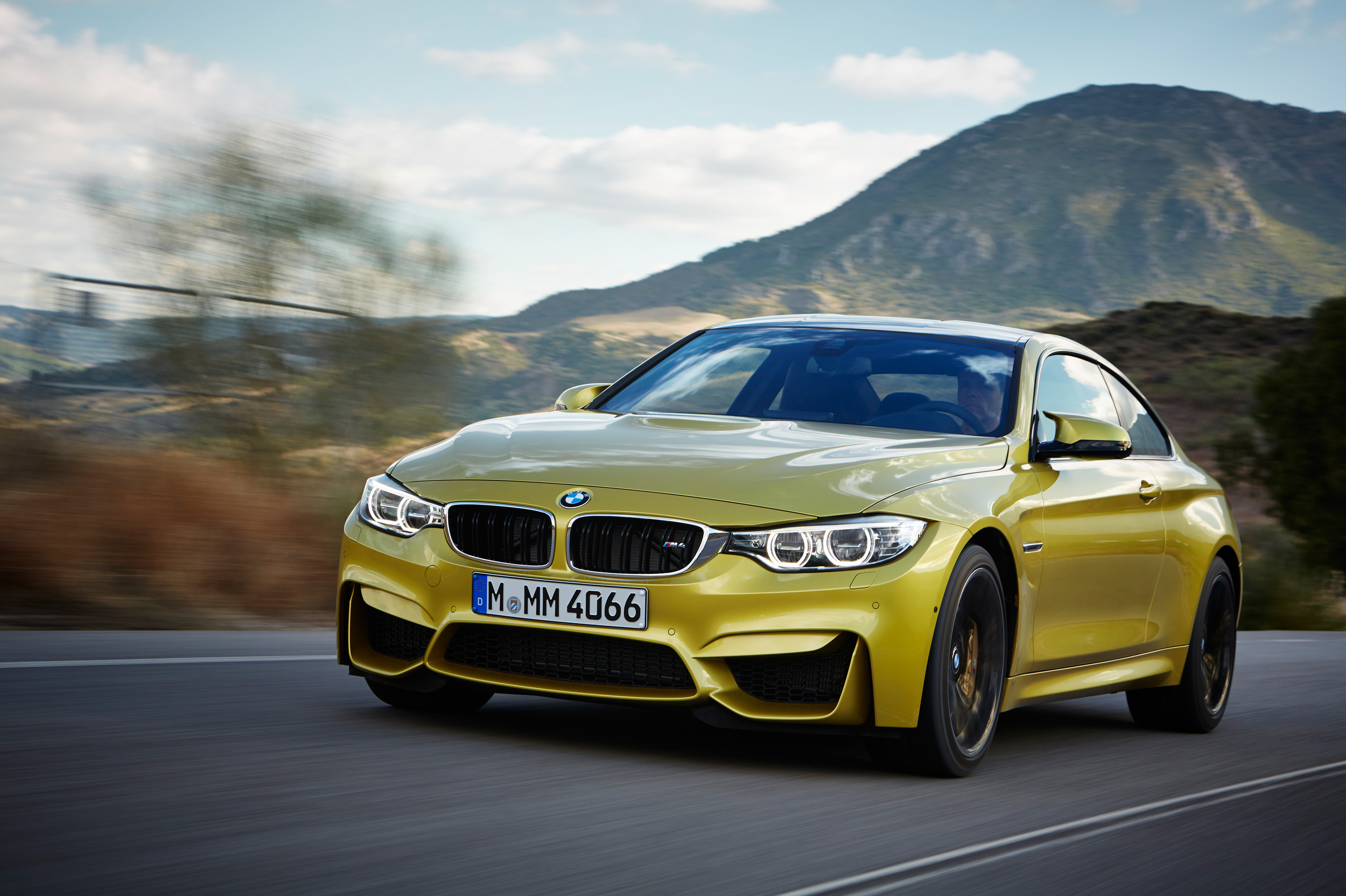 2015 Bmw M4 Coupe Photo Gallery Autoblog