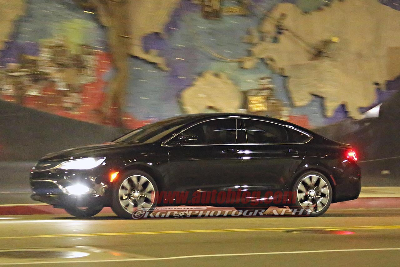 2015 chrysler 200 spy shots photos