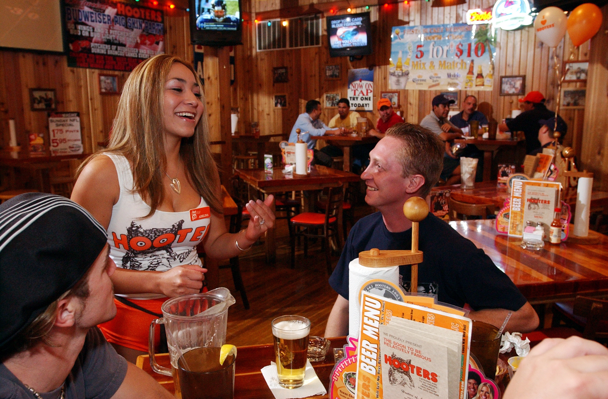 Escort service sued for using hooters name in recruiting for Andy s chinese cuisine san francisco
