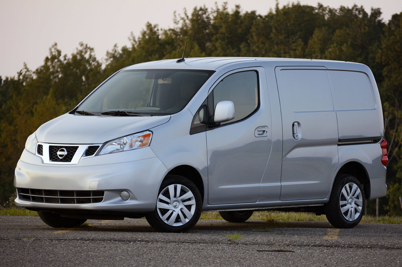 2013 nissan nv200 review photo gallery autoblog. Black Bedroom Furniture Sets. Home Design Ideas