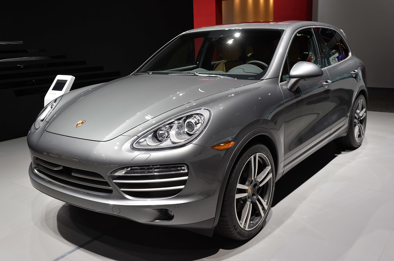 http://www.blogcdn.com/slideshows/images/slides/215/234/2/S2152342/slug/l/01-porsche-cayenne-platinum-detroit-1.jpg