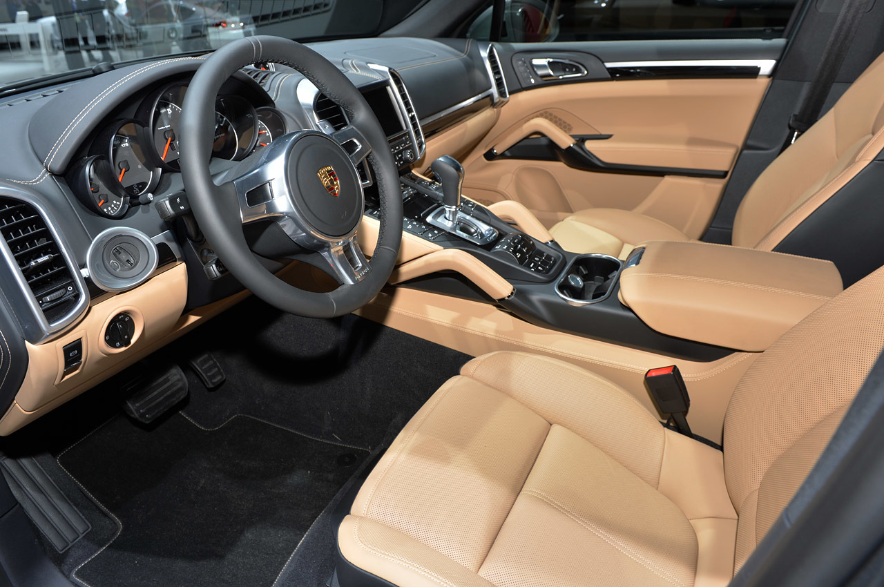 http://www.blogcdn.com/slideshows/images/slides/215/235/2/S2152352/slug/l/11-porsche-cayenne-platinum-detroit-1.jpg