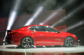 2015 acura tlx driving to be a 39 red carpet athlete 39 w video autoblog. Black Bedroom Furniture Sets. Home Design Ideas