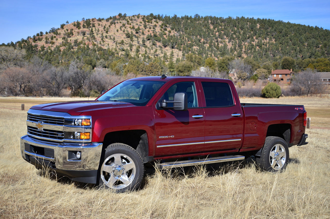 2015 chevrolet silverado 2500 hd first drive photo gallery autoblog. Black Bedroom Furniture Sets. Home Design Ideas