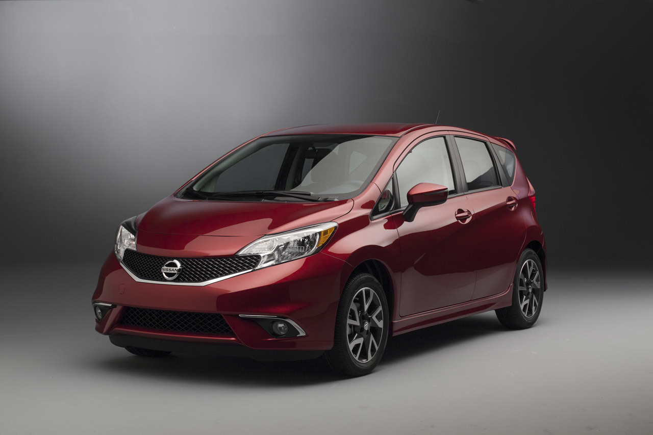 2015 nissan versa note sr photo gallery autoblog. Black Bedroom Furniture Sets. Home Design Ideas