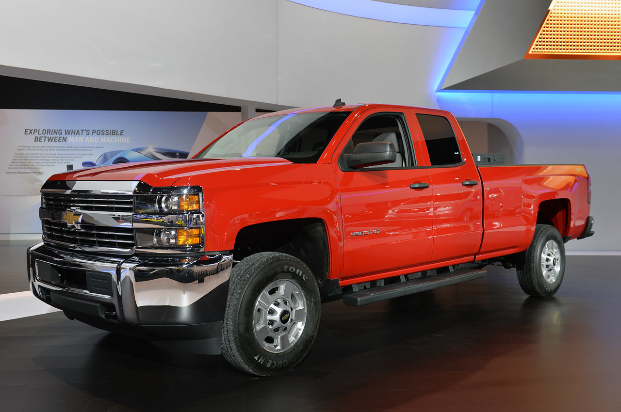2015 chevrolet silverado hd cng chicago 2014 photo gallery autoblog. Black Bedroom Furniture Sets. Home Design Ideas