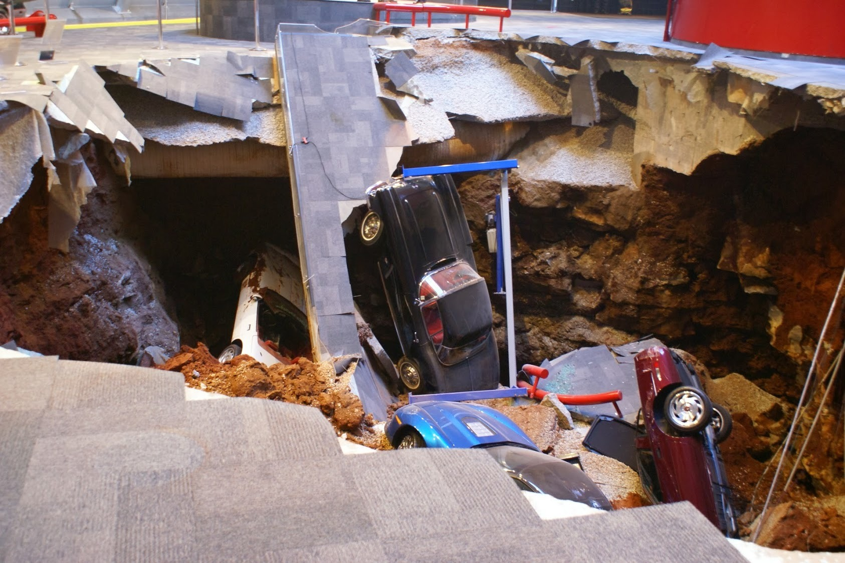 Used Cars Bowling Green Ky >> National Corvette Museum Sinkhole Photo Gallery - Autoblog