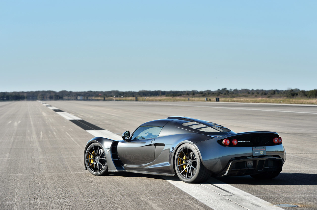 hennessey venom gt vs bugatti veyron. Cars Review. Best American Auto & Cars Review