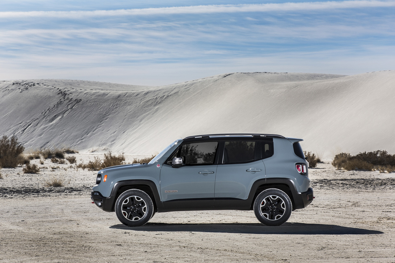 Lifted Renegade Trailhawk >> 2015 Jeep Renegade Trailhawk Photo Gallery - Autoblog