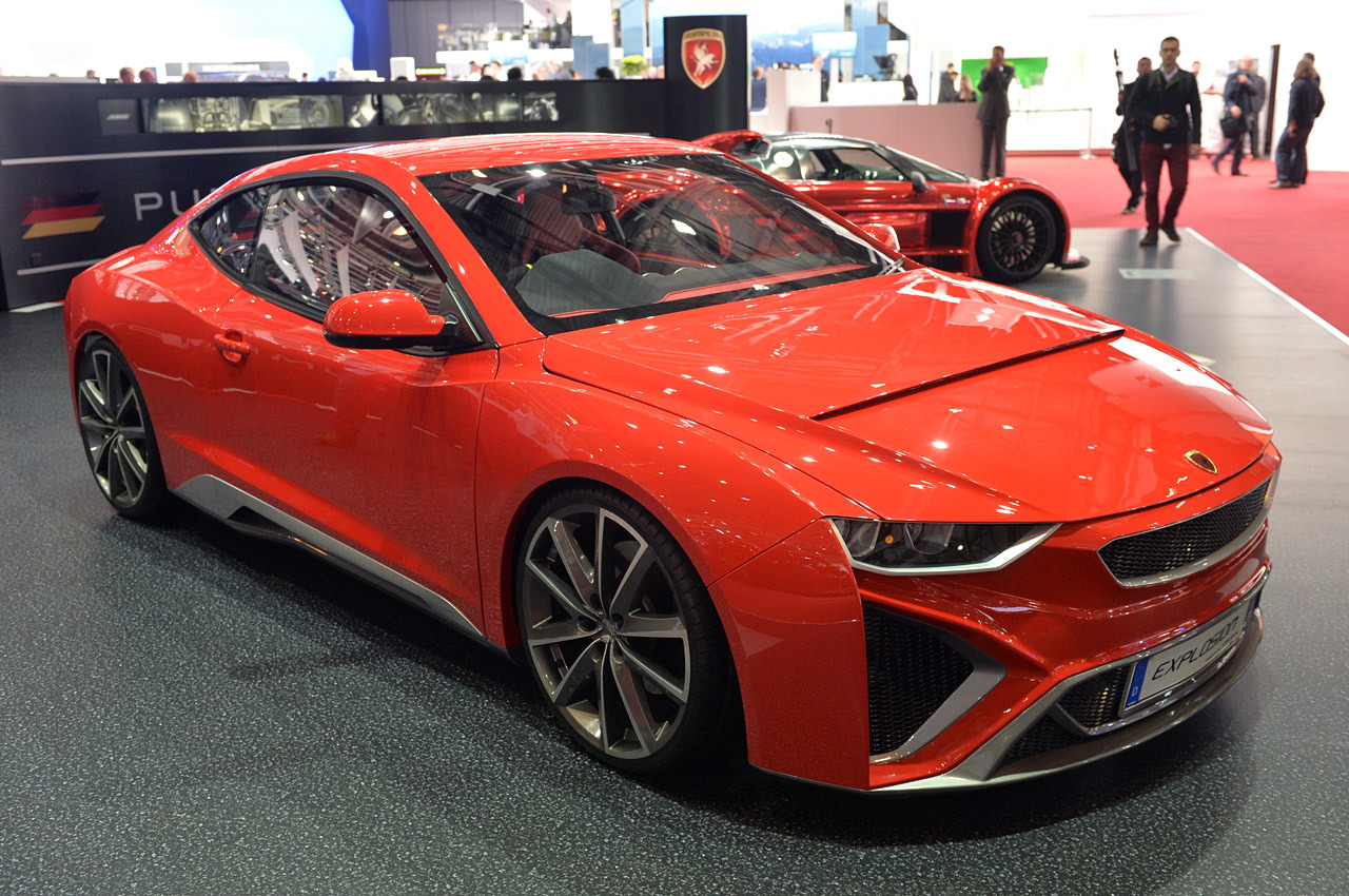 http://www.blogcdn.com/slideshows/images/slides/246/306/7/S2463067/slug/l/01-gumpert-explosion-geneva-1.jpg