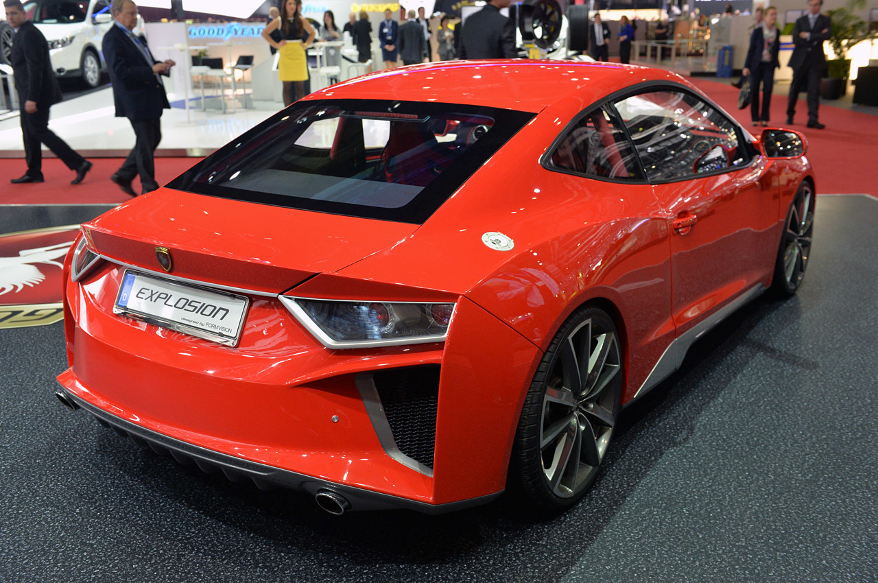 http://www.blogcdn.com/slideshows/images/slides/246/307/0/S2463070/slug/l/04-gumpert-explosion-geneva-1.jpg