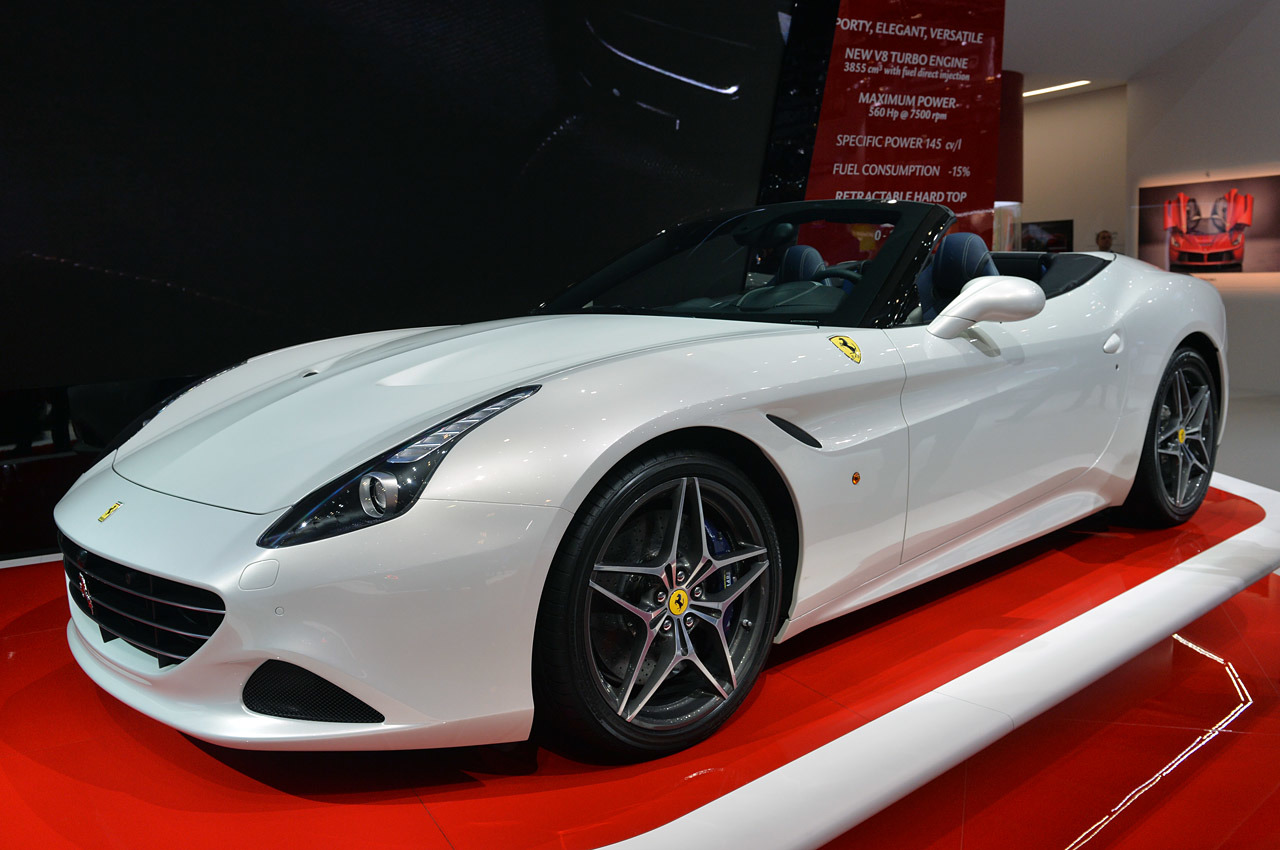 ferrari california t geneva 2014 photo gallery autoblog. Black Bedroom Furniture Sets. Home Design Ideas