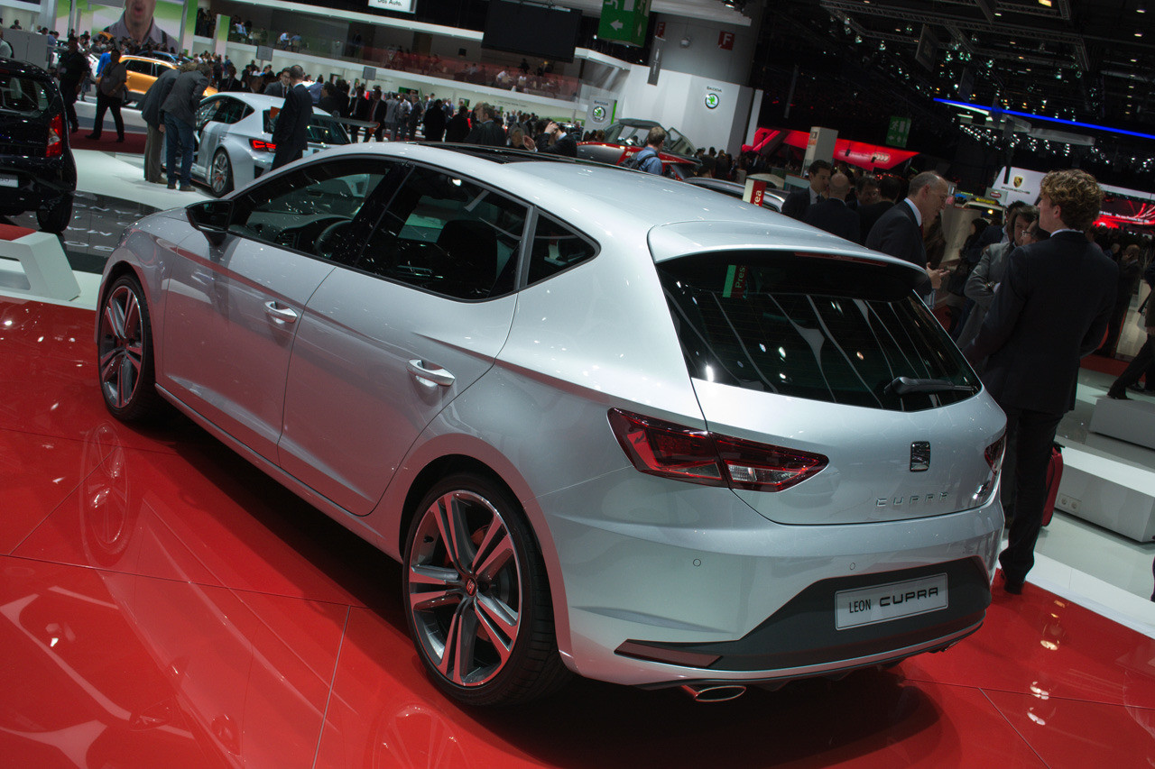 seat leon cupra geneva 2014 photo gallery autoblog. Black Bedroom Furniture Sets. Home Design Ideas
