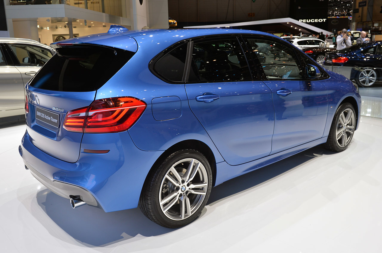 bmw 2 series active tourer geneva 2014 photo gallery. Black Bedroom Furniture Sets. Home Design Ideas